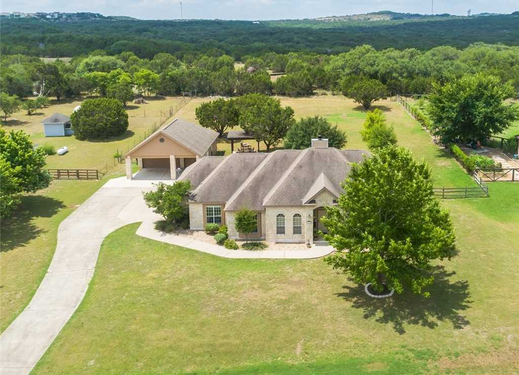 $519,900 - 4Br/3Ba -  for Sale in Sunset Canyon Sec V, Dripping Springs