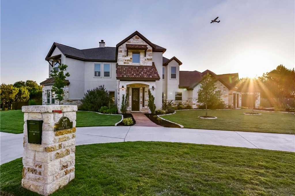 $935,000 - 5Br/5Ba -  for Sale in Breakaway Park Sec 4, Cedar Park