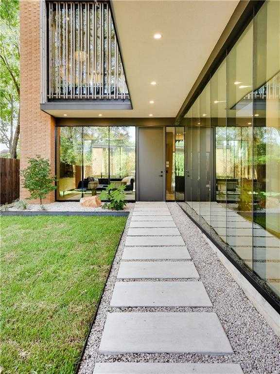 $1,475,000 - 3Br/3Ba -  for Sale in South Heights, Austin
