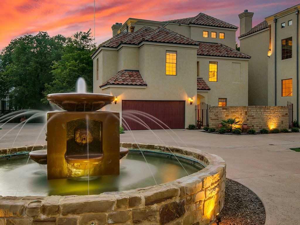 $1,200,000 - 3Br/4Ba -  for Sale in Enclave Villas Condo, Austin
