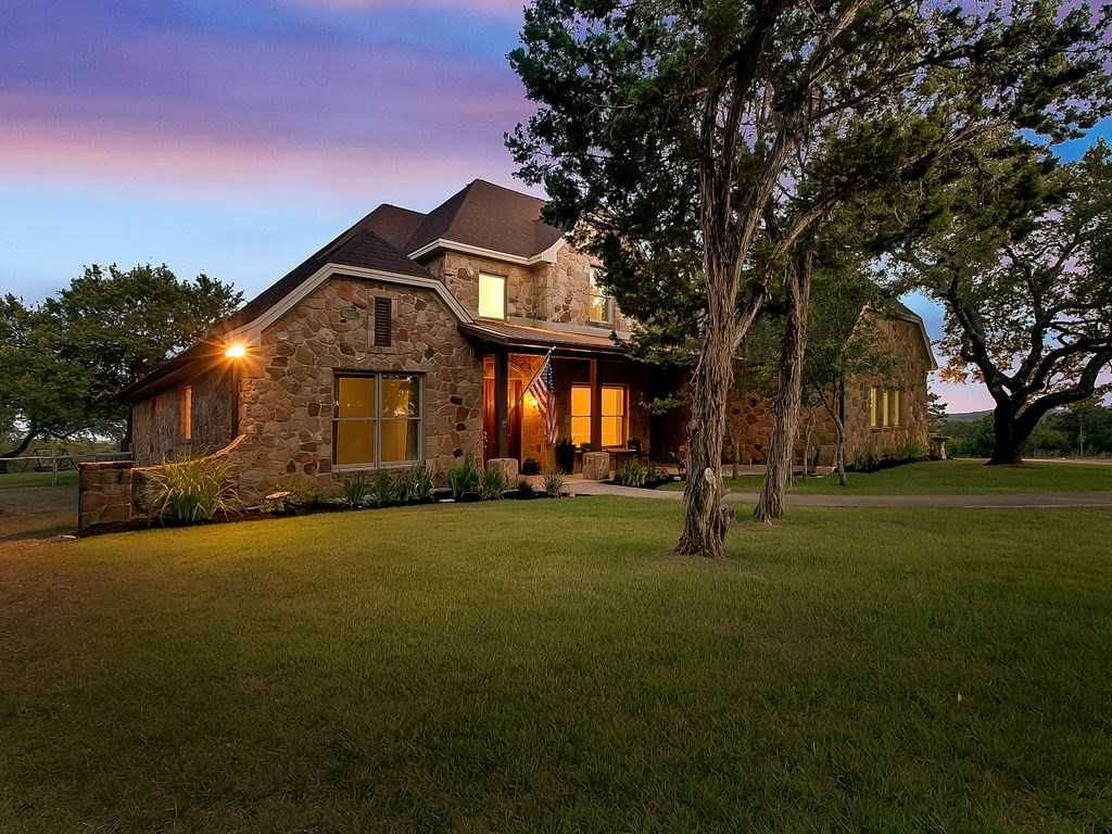 $889,000 - 5Br/4Ba -  for Sale in Deerfield Estates Sec Two, Dripping Springs