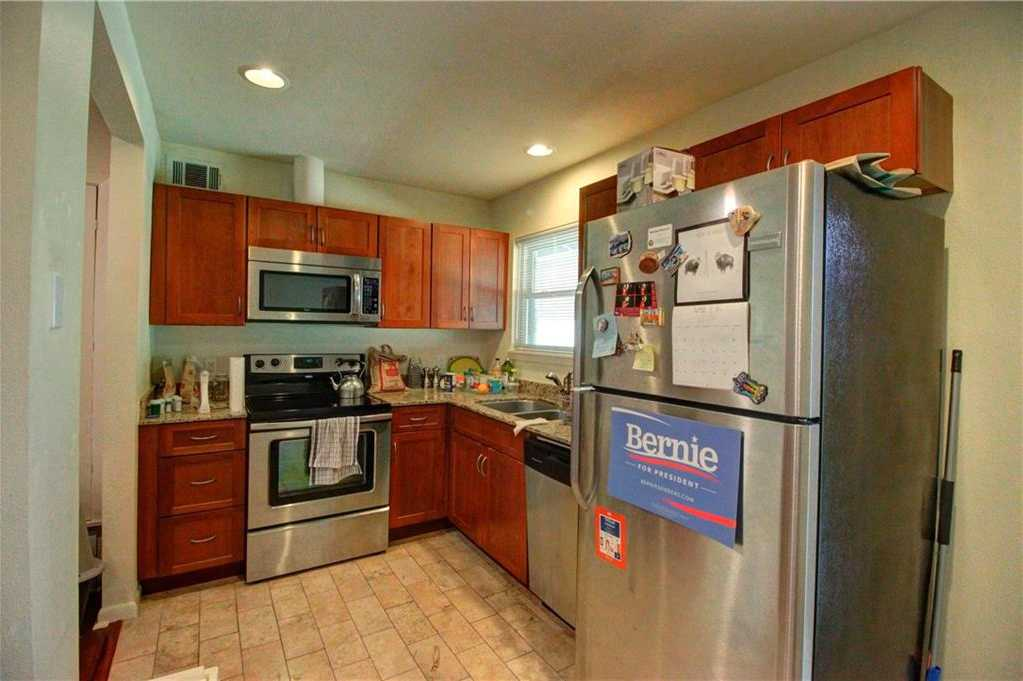 $224,900 - 1Br/1Ba -  for Sale in Bungalows At The Forty Acres Condo, Austin