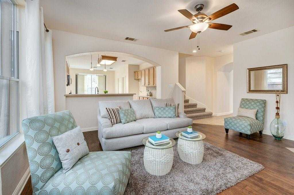 $319,500 - 4Br/3Ba -  for Sale in Whispering Hollow Ph 1 Sec 1, Buda