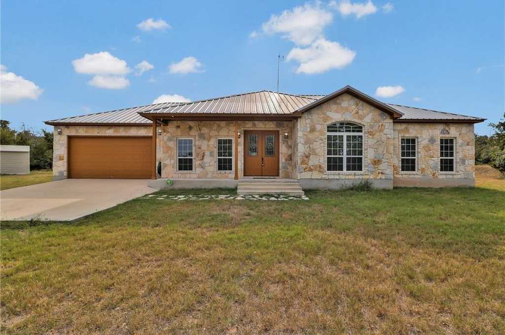 $450,000 - 3Br/2Ba -  for Sale in Escondido Estates, Del Valle