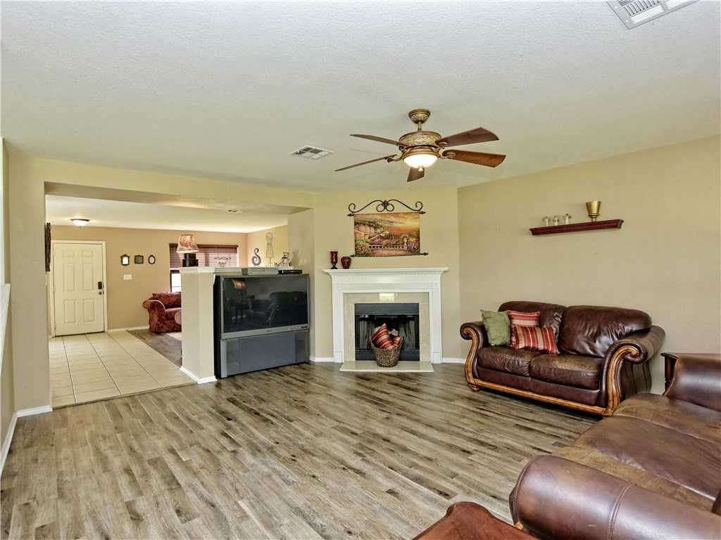$315,000 - 3Br/3Ba -  for Sale in Arroyo Ranch Sec Two, Kyle