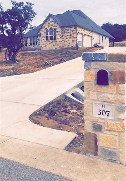 $639,989 - 4Br/4Ba -  for Sale in Rim Rock, Driftwood