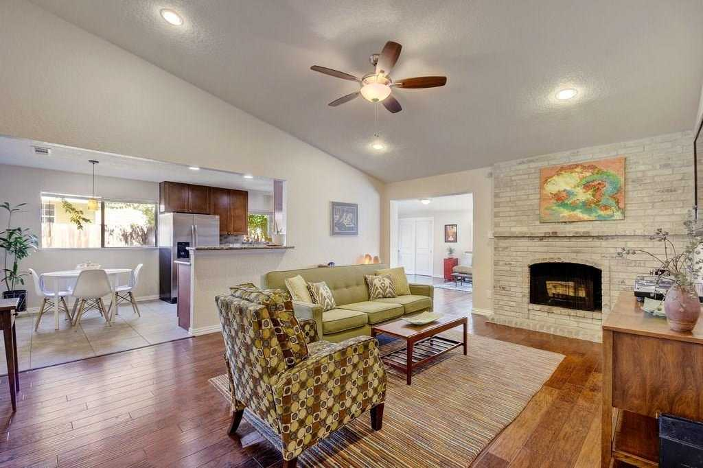 $335,000 - 3Br/2Ba -  for Sale in Bluffs University Hills Sec 03, Austin