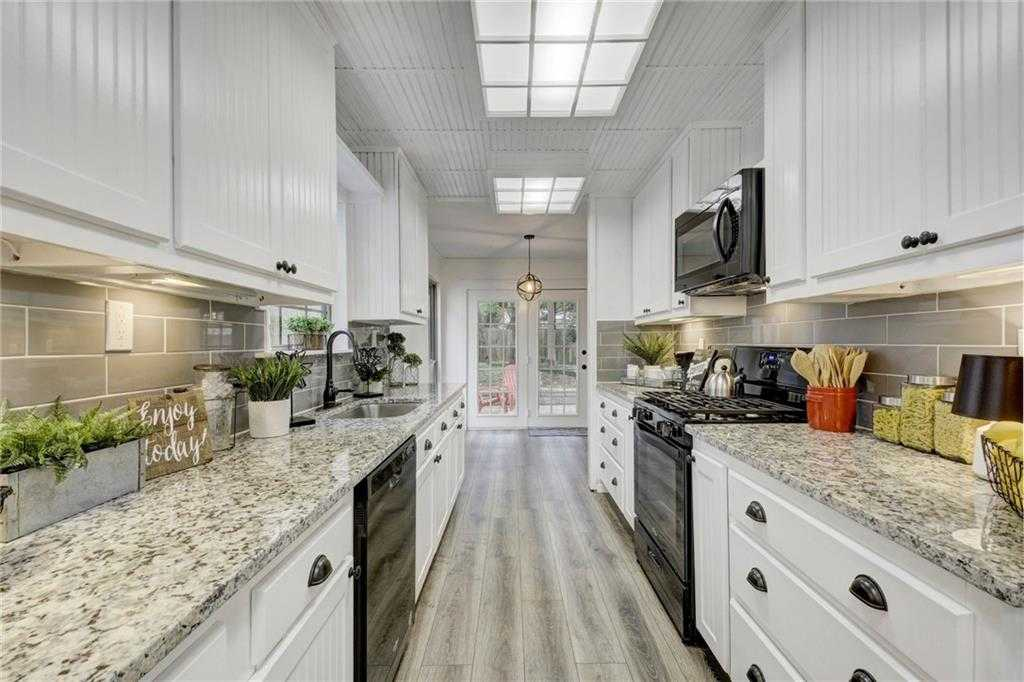 $349,900 - 3Br/2Ba -  for Sale in Carrell Oaks Sec 01, Austin