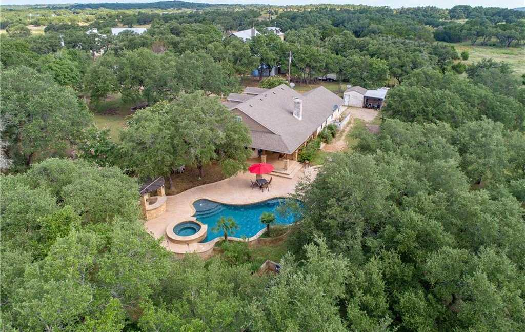 $749,900 - 3Br/3Ba -  for Sale in Medlin Creek Ph I, Dripping Springs