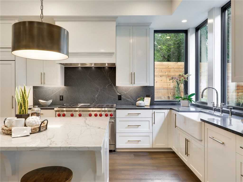 $1,698,000 - 4Br/4Ba -  for Sale in Travis Heights, Austin