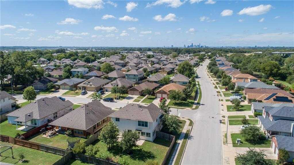 $389,000 - 3Br/3Ba -  for Sale in Knollwood On The Colorado River Sec 01, Austin