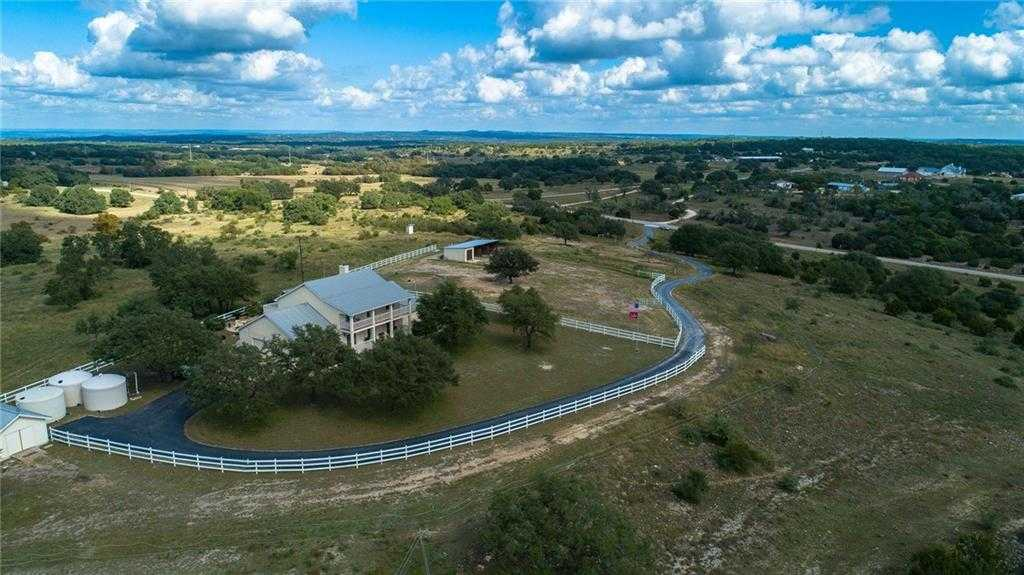 $1,095,000 - 4Br/5Ba -  for Sale in None, Dripping Springs