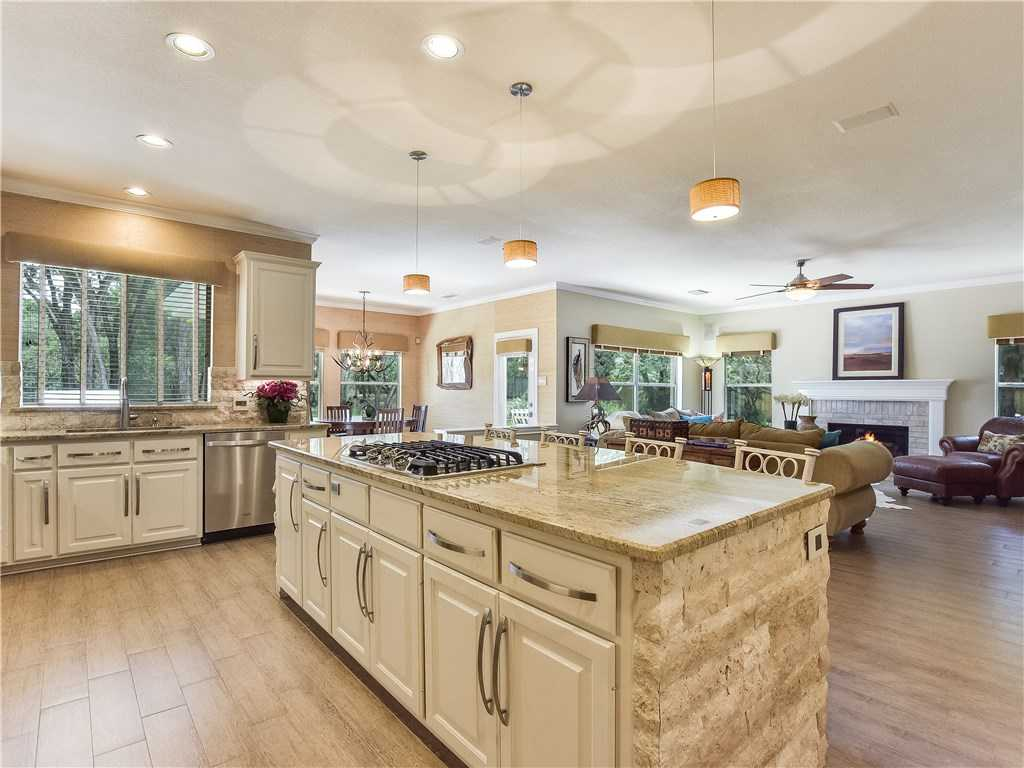 $1,140,000 - 4Br/4Ba -  for Sale in Rob Roy On Lake Sec 02, Austin