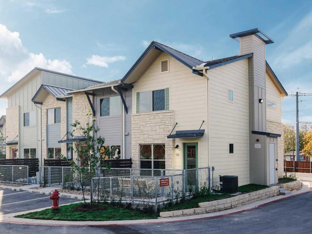 $275,000 - 2Br/3Ba -  for Sale in Cooper Villas, Austin