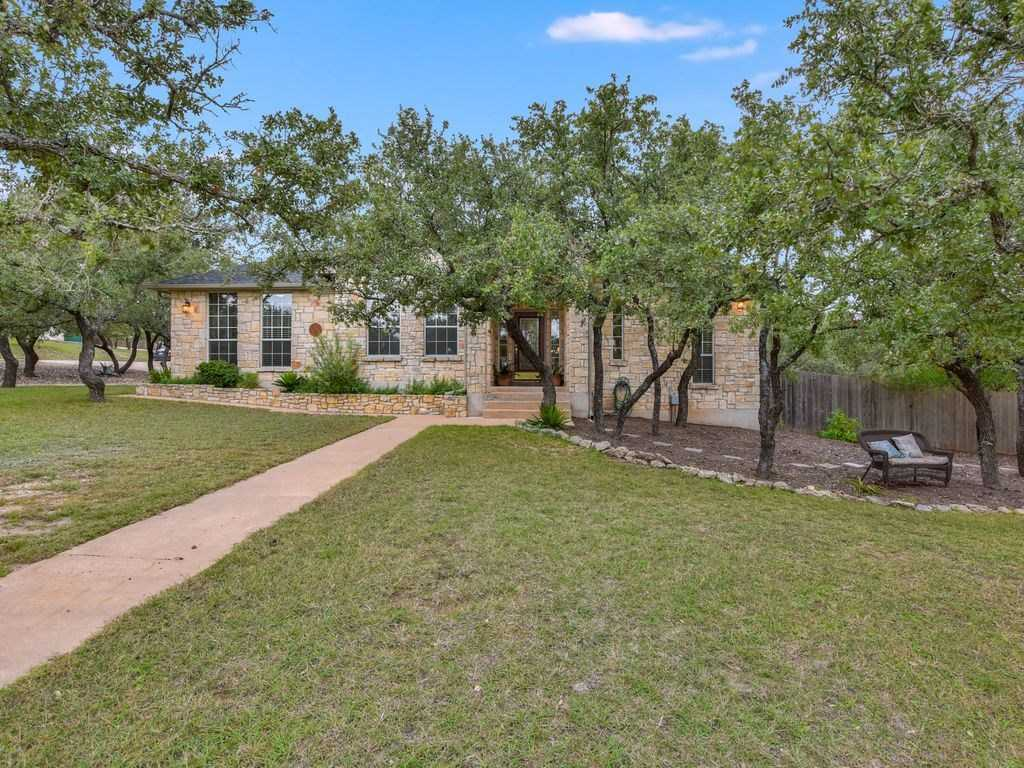 $425,000 - 3Br/2Ba -  for Sale in Meadow Oaks Ph I, Dripping Springs