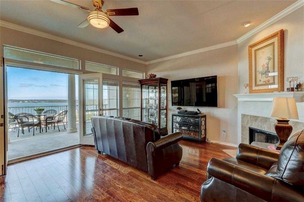 $369,000 - 3Br/3Ba -  for Sale in Villas On Travis Condo Amd, Austin