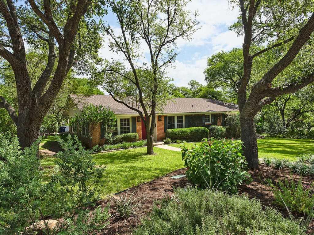 $890,000 - 4Br/3Ba -  for Sale in Barton Hills Sec 03, Austin