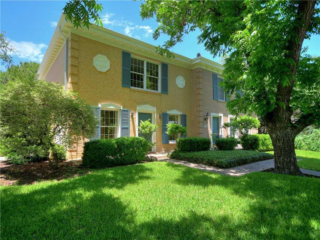 $750,000 - 2Br/3Ba -  for Sale in Brykerwoods, Austin