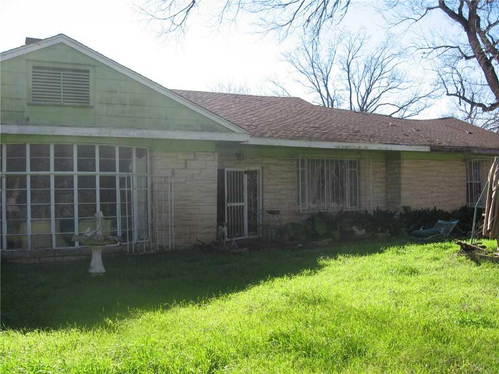 $299,000 - 3Br/2Ba -  for Sale in James Burleson League, Austin