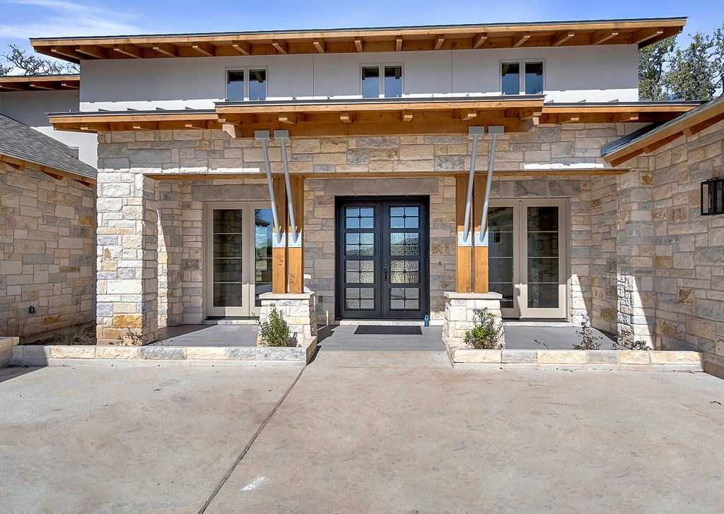 $749,000 - 4Br/4Ba -  for Sale in Bunker Ranch Ph 1, Dripping Springs
