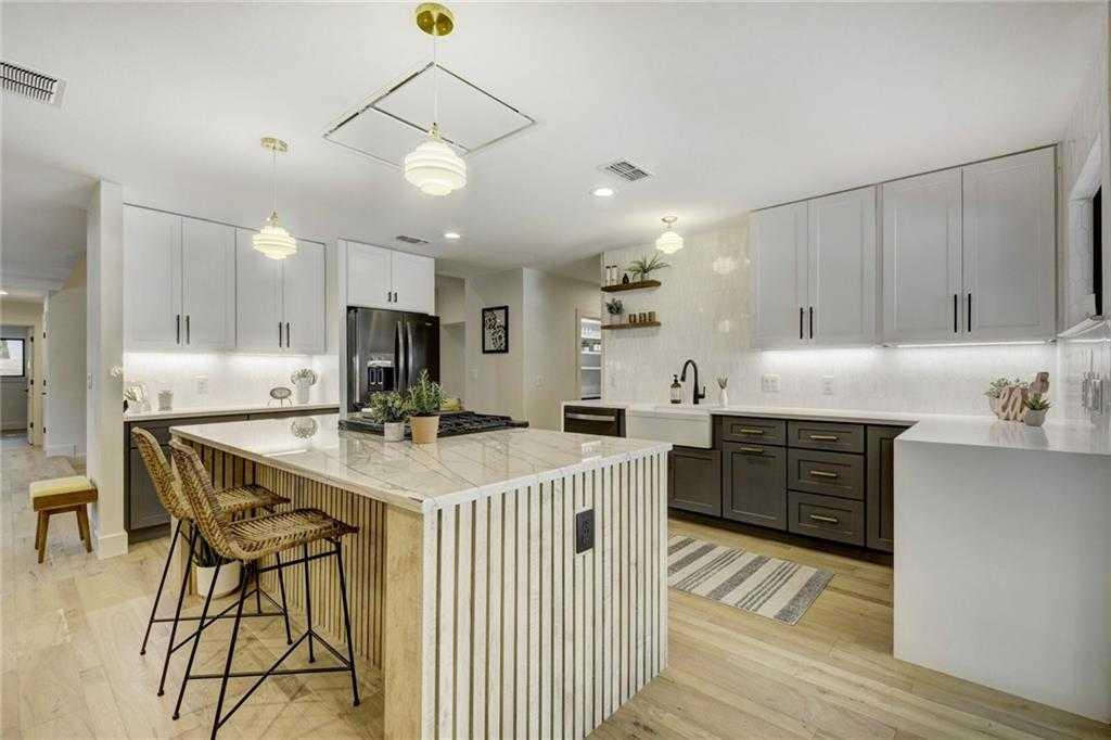 $968,500 - 4Br/3Ba -  for Sale in Northwest Hills Mesa Oaks Ph, Austin