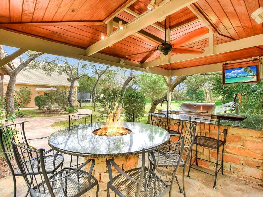 $785,000 - 5Br/5Ba -  for Sale in Woods Lake Travis 01, Austin