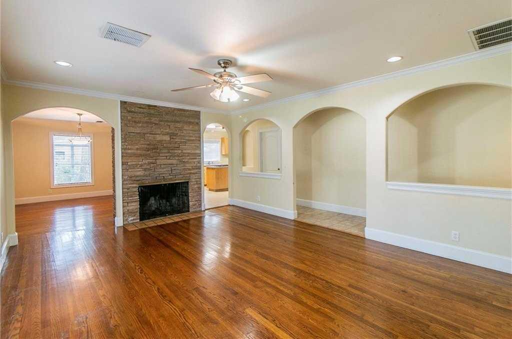 $645,000 - 3Br/2Ba -  for Sale in Highland Park West, Austin