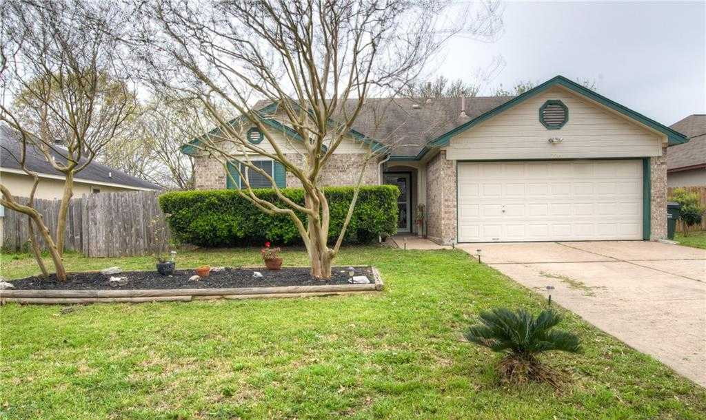 $215,000 - 4Br/2Ba -  for Sale in Steeplechase Ph 01, Kyle