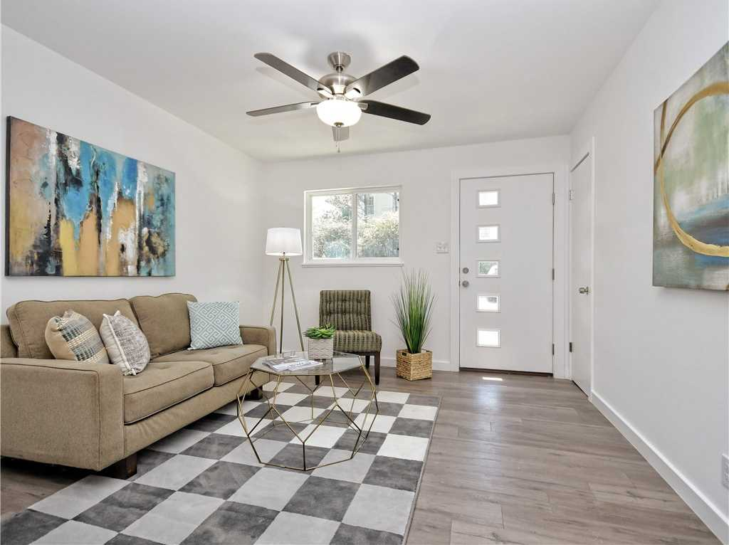 $279,000 - 2Br/1Ba -  for Sale in Farview Park, Austin