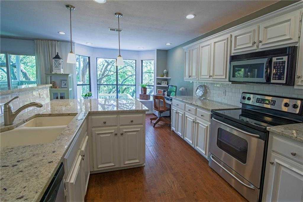 $350,000 - 2Br/3Ba -  for Sale in Woods Travis Country Condo Ame, Austin