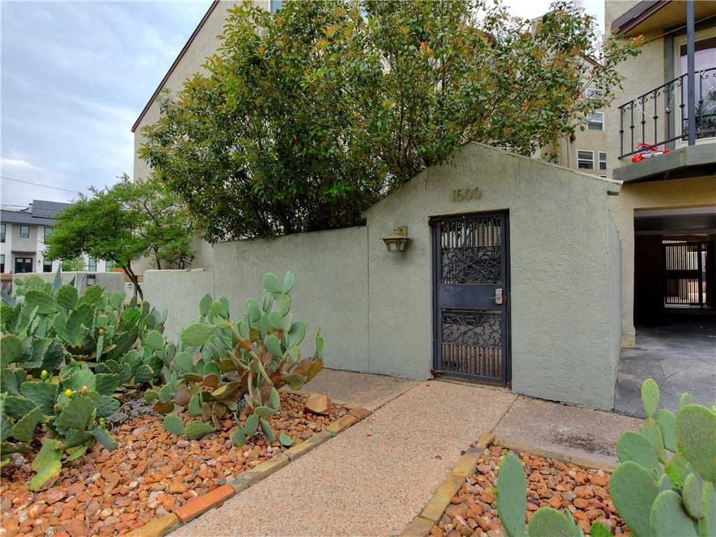 $289,000 - 1Br/1Ba -  for Sale in Woodlawn Place Condo, Austin
