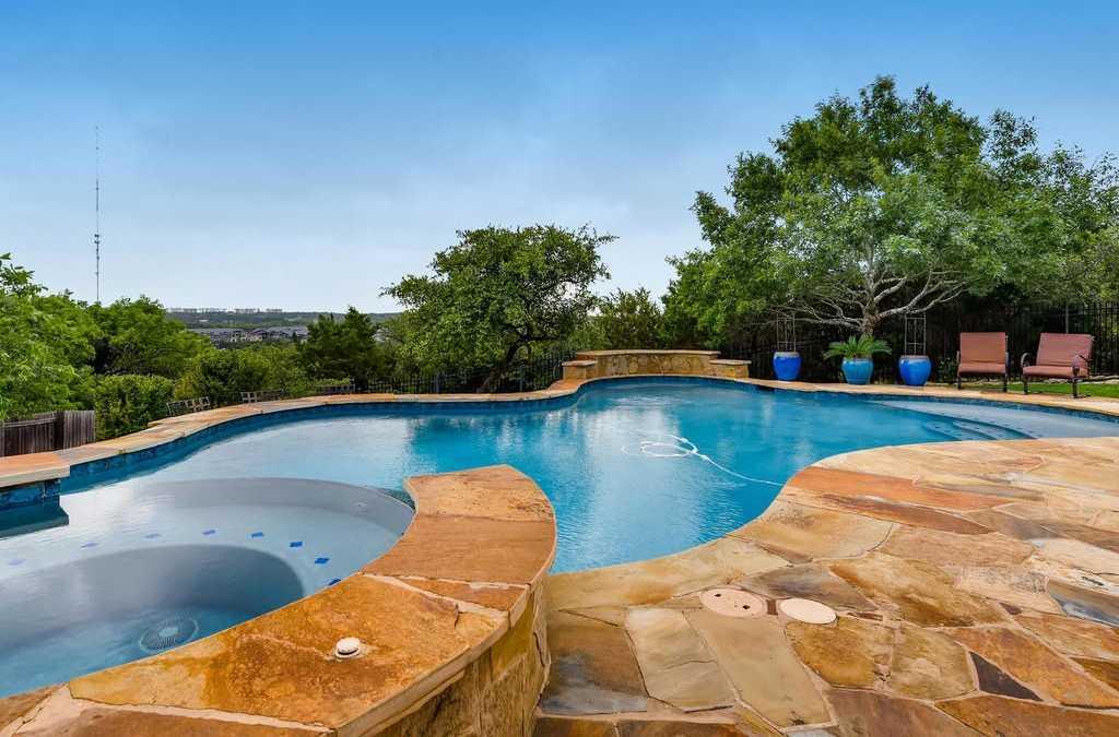 $599,900 - 4Br/4Ba -  for Sale in Covered Bridge Sec 04, Austin
