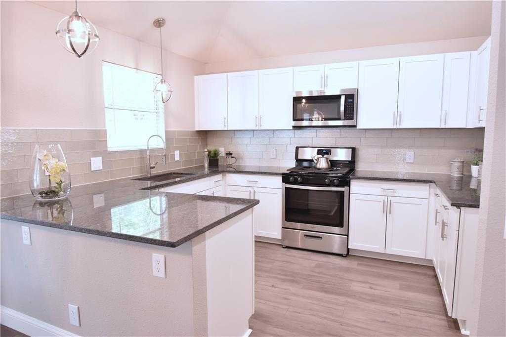 $235,000 - 3Br/2Ba -  for Sale in Lakeside Estates Ph 1, Hutto