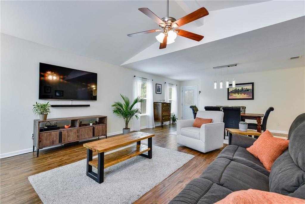$375,000 - 3Br/2Ba -  for Sale in Quail Hollow Sec 06-b, Austin