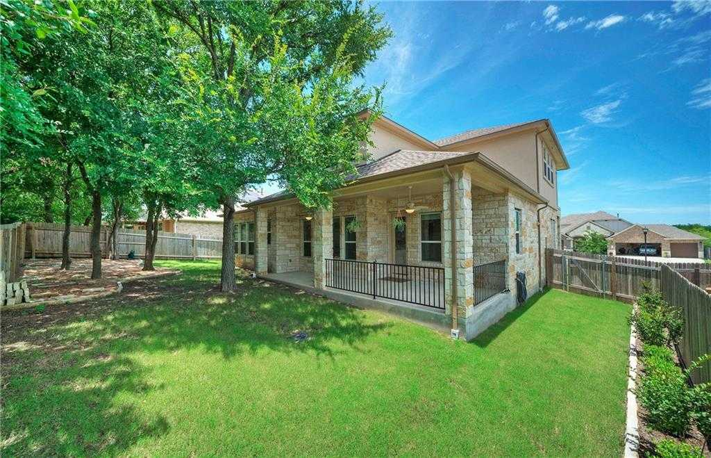 $430,000 - 4Br/3Ba -  for Sale in Whispering Hollow Phase 2, Buda