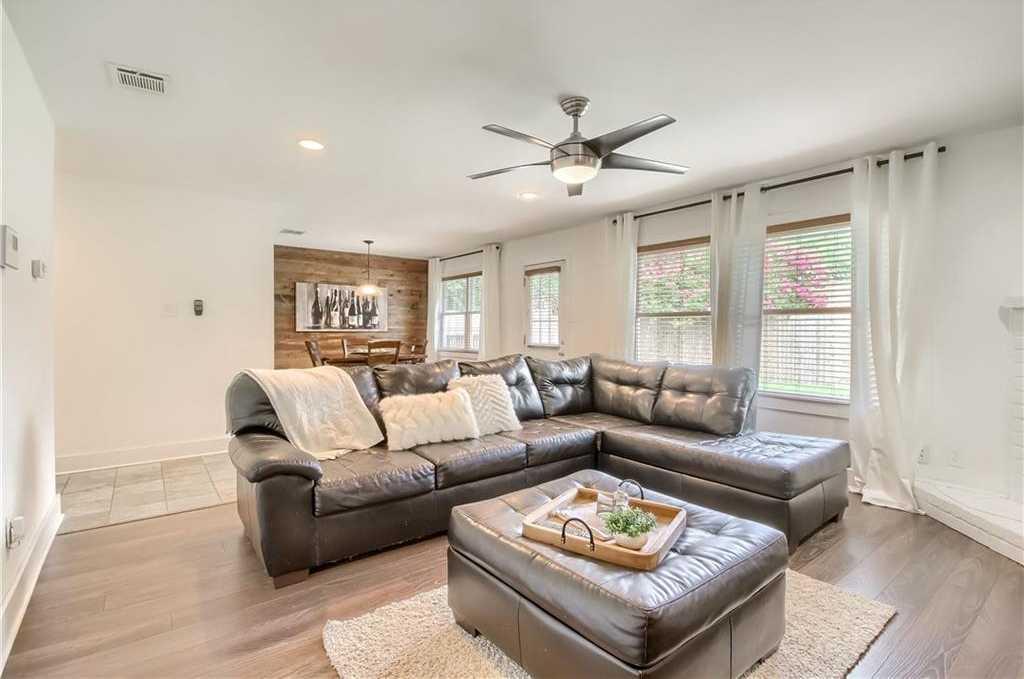 $350,000 - 3Br/2Ba -  for Sale in Quail Hollow, Austin