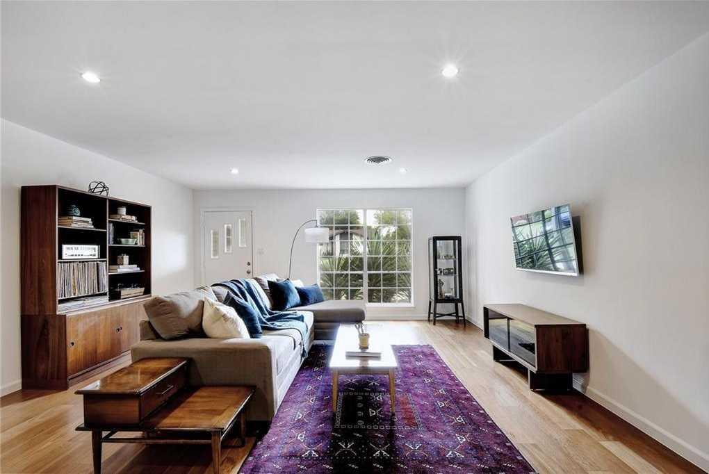 $399,950 - 4Br/2Ba -  for Sale in University Hills Sec 01, Austin
