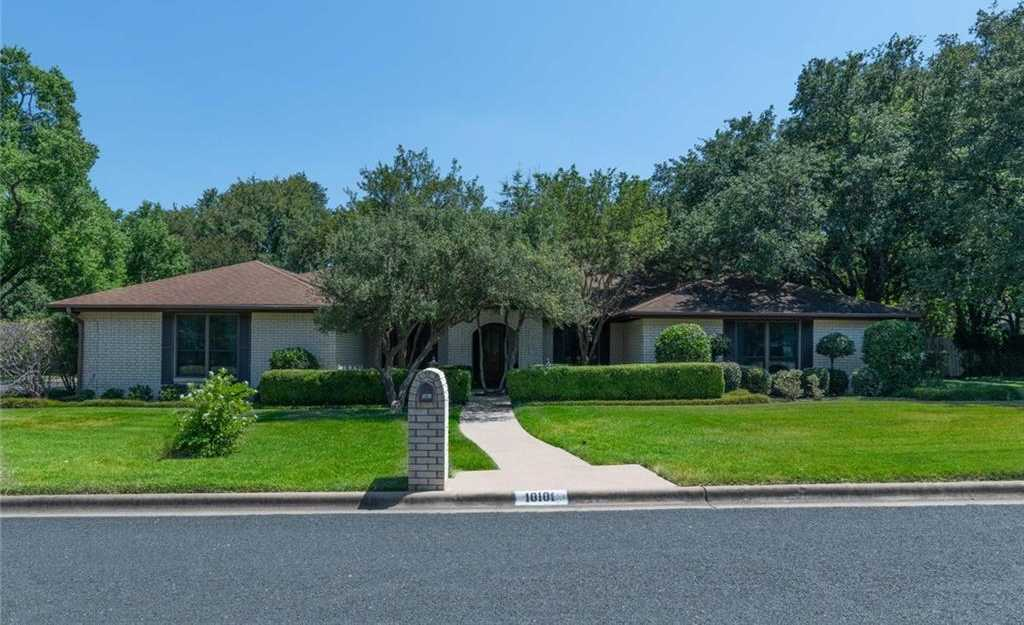 $650,000 - 4Br/4Ba -  for Sale in Spicewood At Balcones Villages, Austin