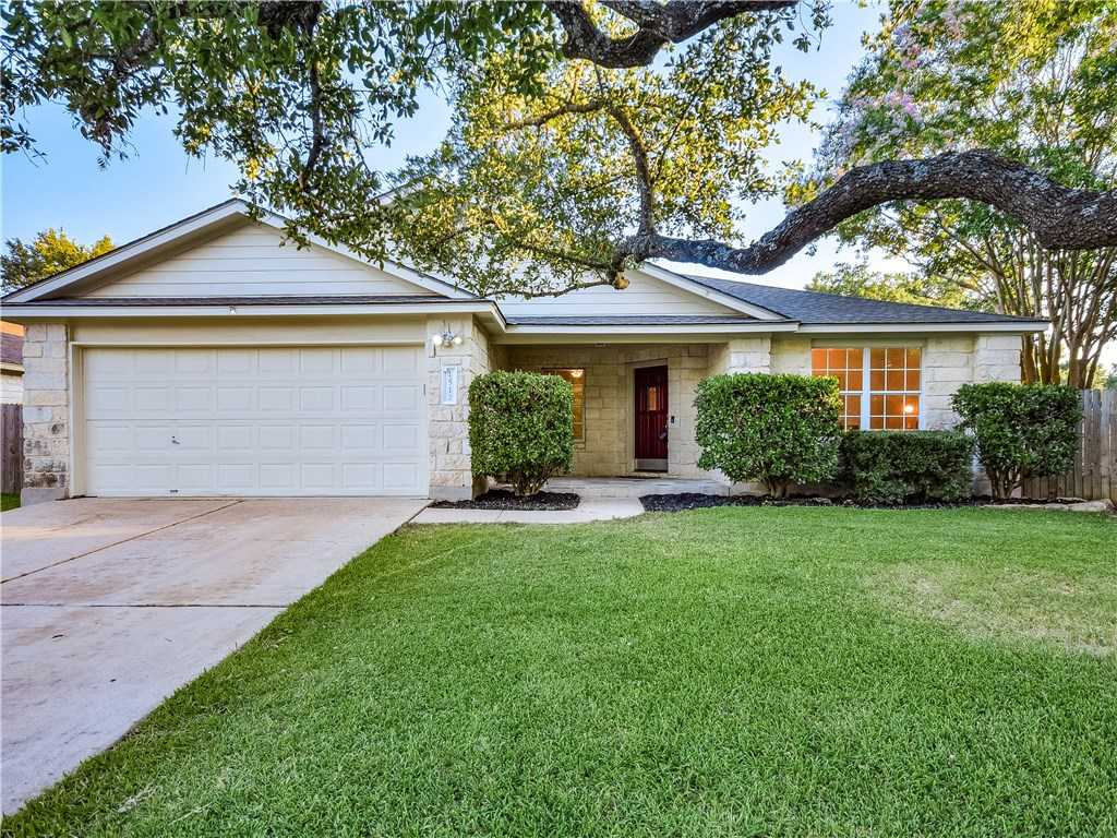 $300,000 - 4Br/2Ba -  for Sale in Carriage Hills, Cedar Park
