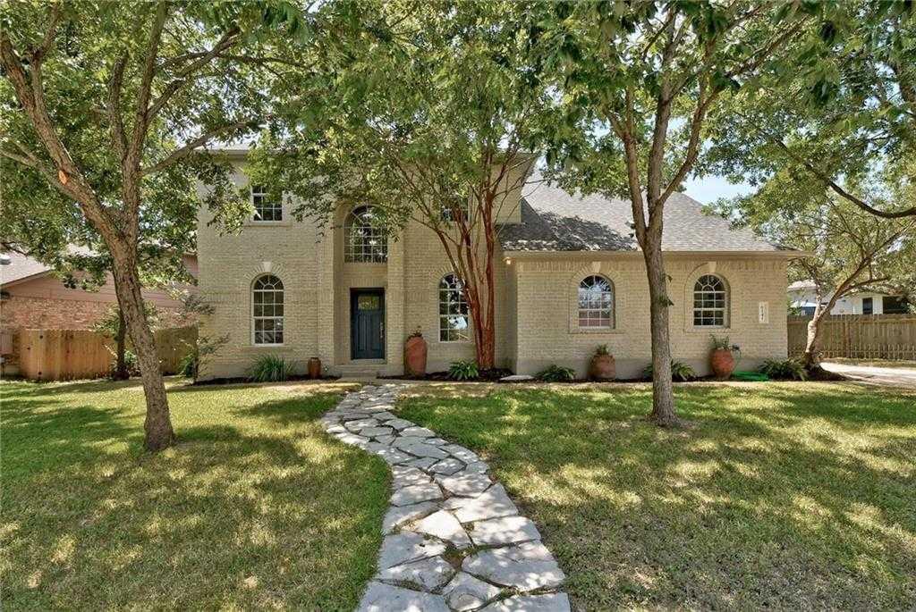 $449,500 - 4Br/3Ba -  for Sale in Legend Oaks Sec 07, Austin