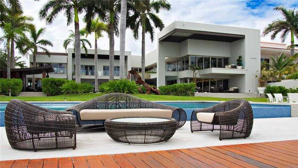 $9,900,000 - 4Br/8Ba -  for Sale in Zona Hotelera Cancun, Other