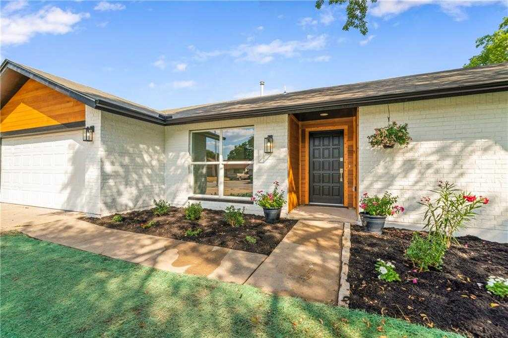 $439,900 - 3Br/2Ba -  for Sale in Bluffs University Hills Sec 03, Austin