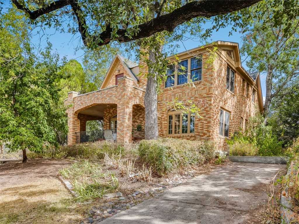 $1,200,000 - 5Br/3Ba -  for Sale in Travis Heights, Austin