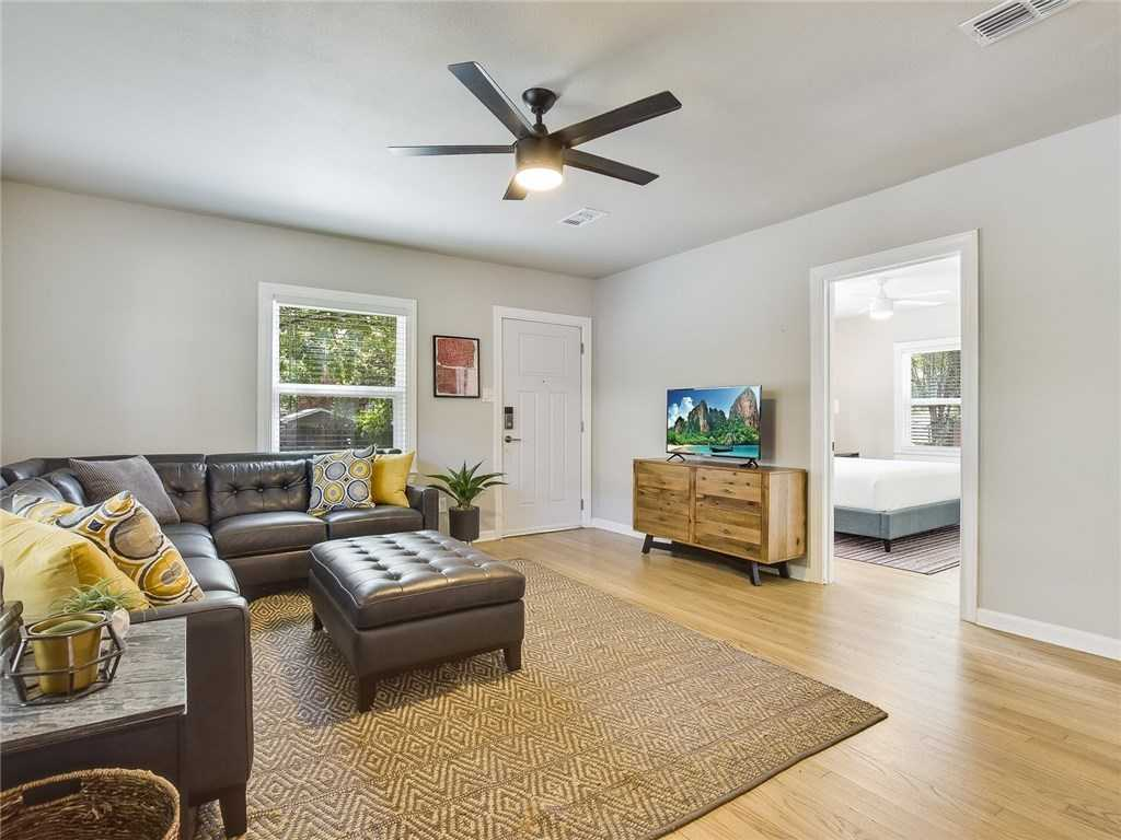 $600,000 - 2Br/2Ba -  for Sale in Cherrywood, Austin