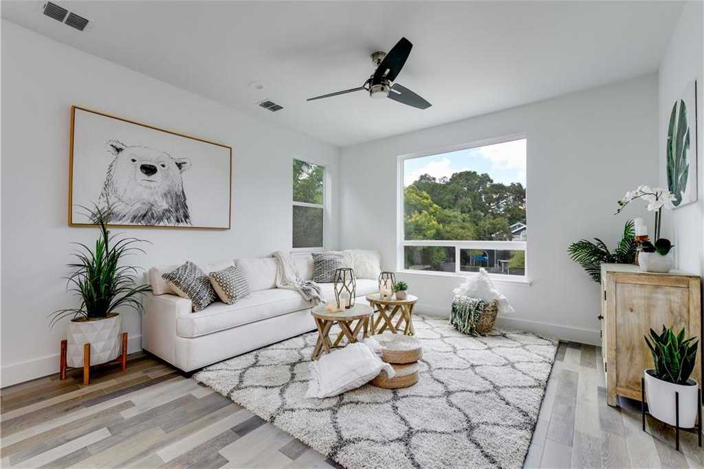 $835,000 - 3Br/3Ba -  for Sale in Travis Heights, Austin