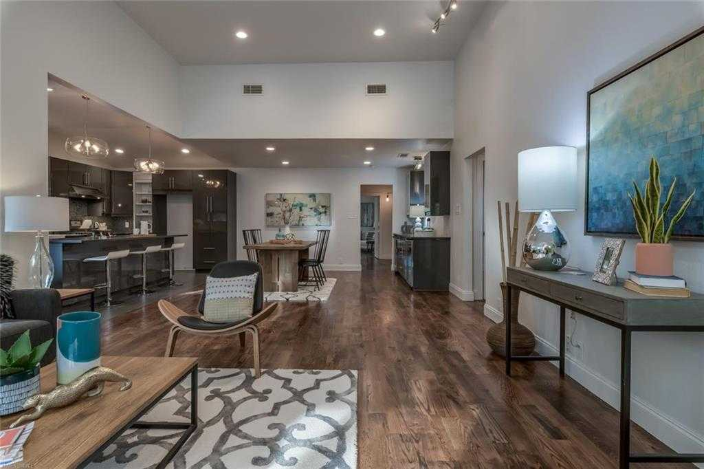 $999,900 - 3Br/2Ba -  for Sale in Travis Heights, Austin