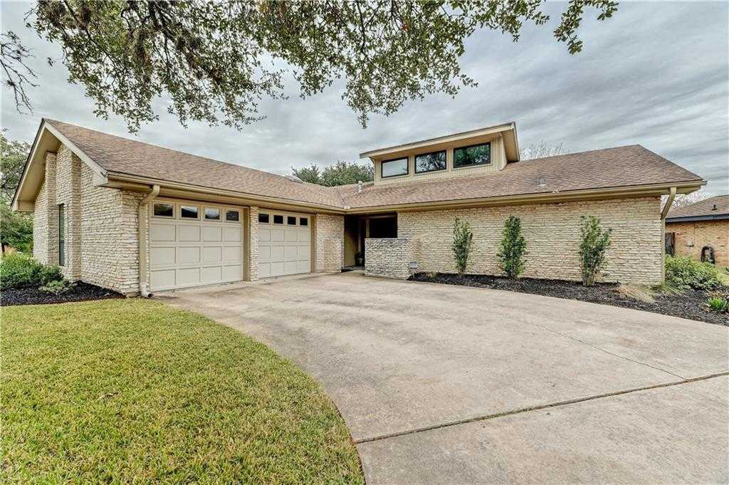 $649,000 - 4Br/2Ba -  for Sale in Travis Country, Austin