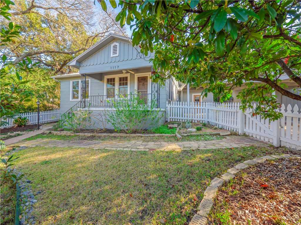 $819,000 - 2Br/2Ba -  for Sale in Travis Heights, Austin