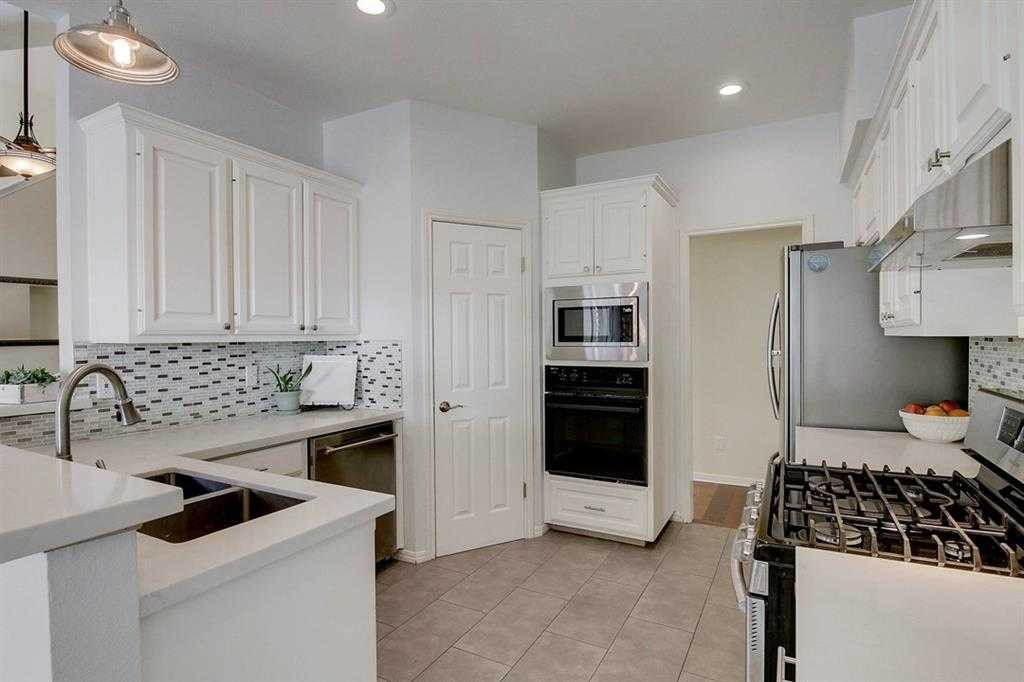 $500,000 - 3Br/3Ba -  for Sale in River Place, Austin