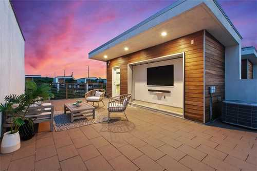 $1,000,000 - 3Br/4Ba -  for Sale in South 05 Amd, Austin